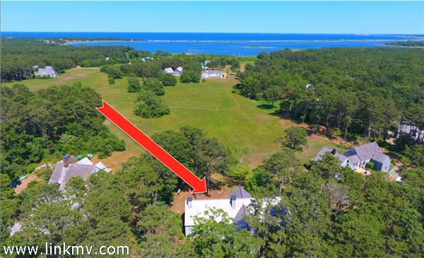 446 County Road, Oak Bluffs, MA