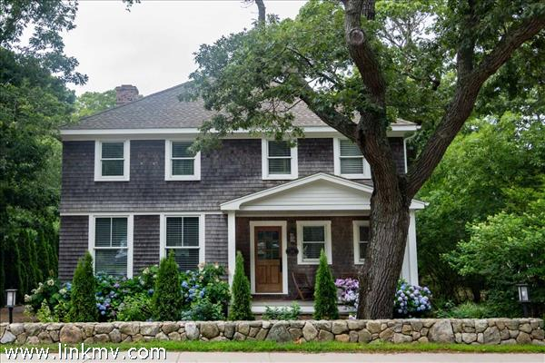 229 State Road, Vineyard Haven, MA