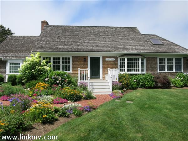 25 Mill Hill Road, Edgartown, MA