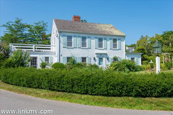 8 Atwood Circle, Edgartown, MA