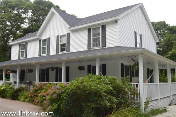29 Mud Puddle Road, Vineyard Haven, MA