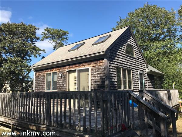 52 Tenth Street North, Edgartown, MA