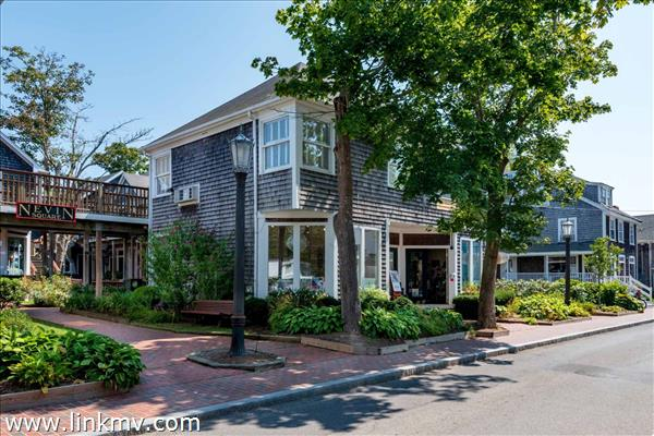 17 Winter Street, Edgartown, MA