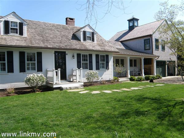 32 Clevelandtown Road Edgartown MA
