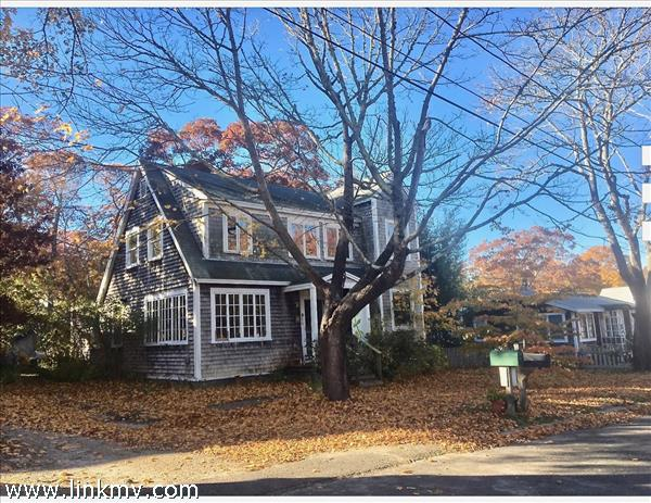 86 North William Street, Vineyard Haven, MA