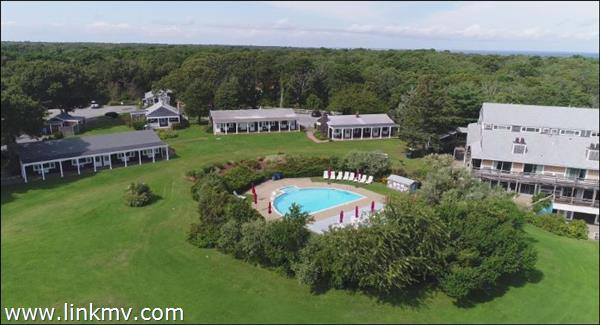 21 Island Inn Road, Oak Bluffs, MA