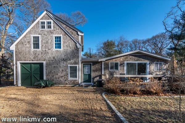 10 Elm Street, Vineyard Haven, MA