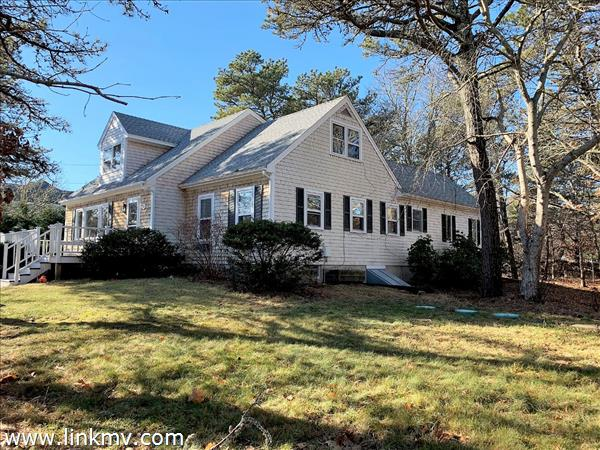 70 Anthiers Way Edgartown MA