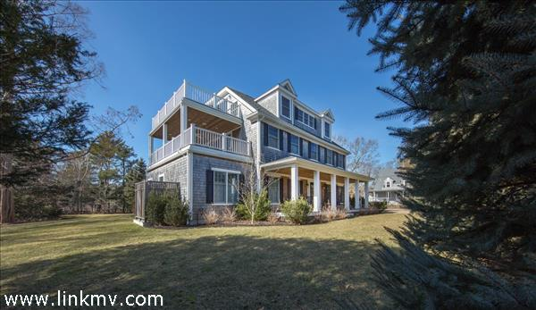 27 Hatch Road Vineyard Haven MA