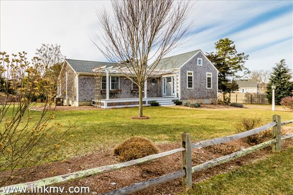 22 Kitts Field Circle Edgartown MA