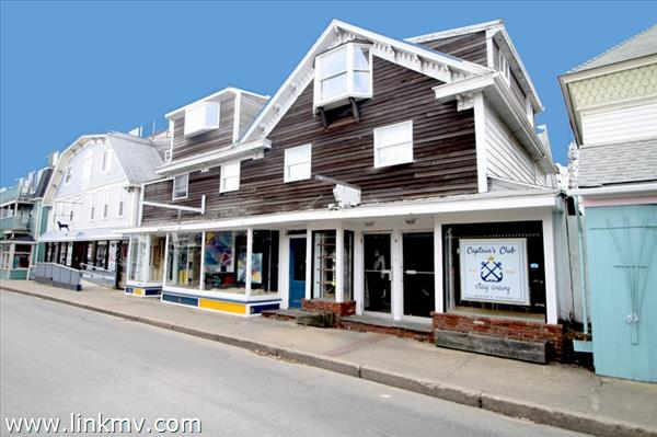 35 Circuit Avenue Oak Bluffs MA