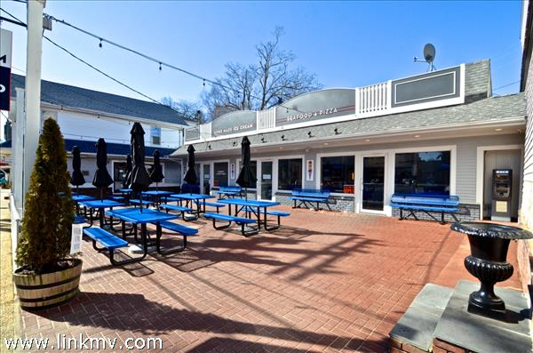 22 Main Street Vineyard Haven MA