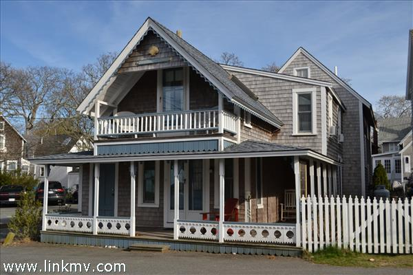 16 Commonwealth Square Oak Bluffs MA