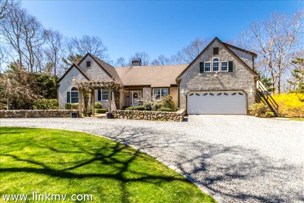 122 Mayflower Lane Vineyard Haven MA
