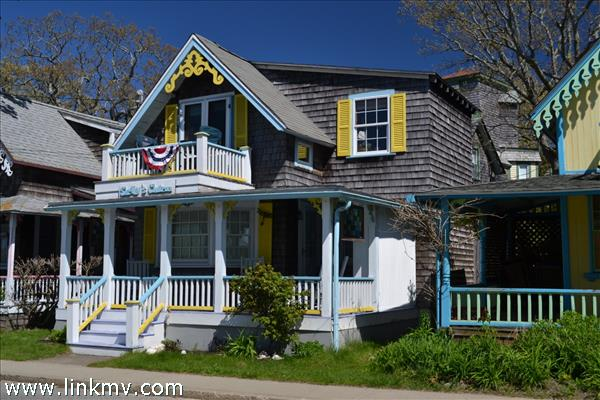 9 Siloam Avenue Oak Bluffs MA